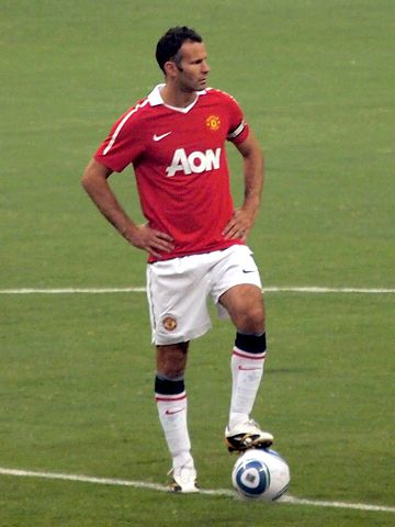 360px-Ryan_Giggs_vs_MLS_All_Stars_2010