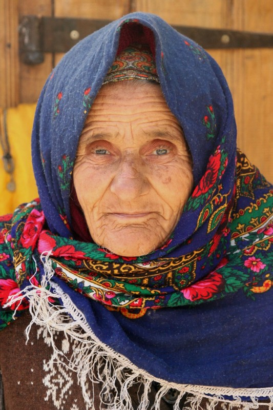 Azerbaijan's Kelaghavi headscarfs are key to Azerbaijan culture. Photo by Retlaw Snellac, Creative Commons