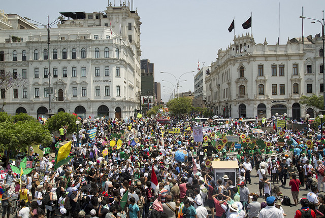 Protesters filled Lima streets in the Climate March on December 10. Photo by (Enrique Cuneo/AP Images for AVAAZ, © Avaaz.org