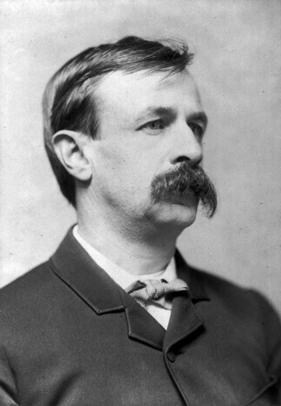 """Edward Bellamy - photograph c.1889"" by Philpott - This image is available from the United States Library of Congress's Prints and Photographs division under the digital ID cph.3a42968.This tag does not indicate the copyright status of the attached work. A normal copyright tag is still required. See Commons:Licensing for more information.العربية 