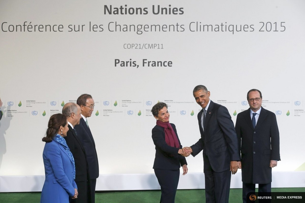 U.S. President Barack Obama (2nd R) is welcomed by French President Francois Hollande (R) and (L to R) French Ecology Minister Segolene Royal, French Foreign Affairs Minister Laurent Fabius, President-designate of COP21, United Nations Secretary General Ban Ki-moon and Christiana Figueres, Executive Secretary of the UN Framework Convention on Climate Change, as he arrives for the opening day of the World Climate Change Conference 2015 (COP21) at Le Bourget, near Paris, France, November 30, 2015. REUTERS/Christian Hartmann