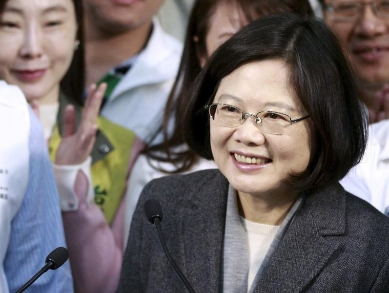 Democratic Progressive Party (DPP) Chairperson and presidential candidate Tsai Ing-wen gives a speech during a news conference to promote her campaign for the 2016 presidential election in Taipei, January 8, 2016. REUTERS/Pichi Chuang