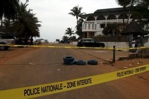 A police cordon is seen around the hotel Etoile du Sud following an attack by gunmen from al Qaeda's North African branch, in Grand Bassam, Ivory Coast, March 14, 2016. REUTERS/Luc Gnago
