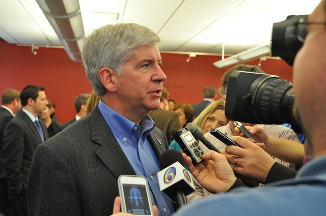 Michigan Governor Rick Snyder Answers Media Questions in 2012. Photo: Michigan Municipal League, Creative Commons