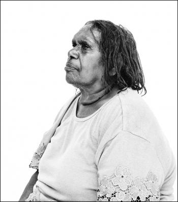 Ngangkari healer Pantjiti Unkari McKenzie © David Maurice Smith/Oculi
