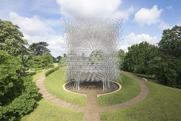 The Hive is inspired by scientific research into bee health. Designed by Wolfgang Buttress, it was originally created as the centrepiece of the UK Pavilion at the 2015 Milan Expo, and is now installed at Kew Gardens in London.  The installation is made from thousands of pieces of aluminium which create a lattice effect and is fitted with hundreds of LED lights that glow and fade as a unique soundtrack hums and buzzes around you. Photo: Kew Gardens