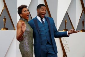 Television presenters Roberts and Strahan arrive at the 88th Academy Awards in Hollywood